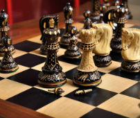 Burnt Zagreb '59 Series Chess Set - The Kings