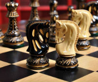 Burnt Zagreb '59 Series Chess Set - Knights