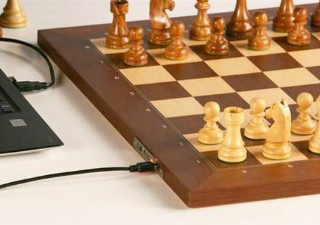 The DGT Electronic Chessboard