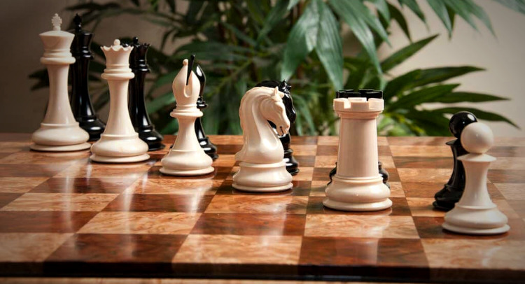 """The Mammoth Ivory Collector Series Luxury Chess Pieces - 4.4"""" King"""