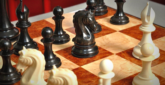 """The Mammoth Ivory and Genuine Ebony Collector Series Luxury Chess Set - 4.4"""" King"""