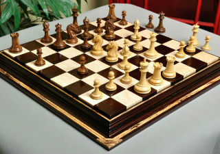 The Camaratta Signature Series Cooke Luxury Chess Set