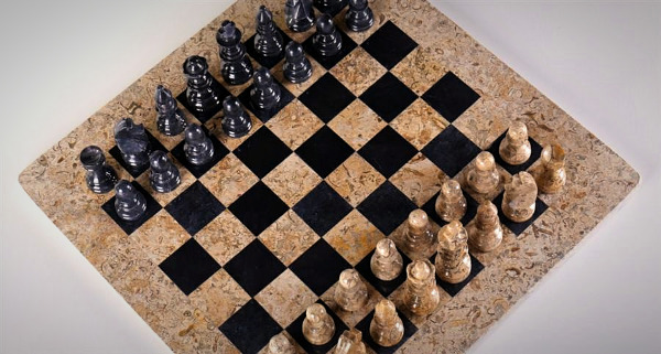 "The 16"" Marble Chess Set American Design in Coral & Black"