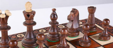 "19"" Consul Wooden Chess Set"