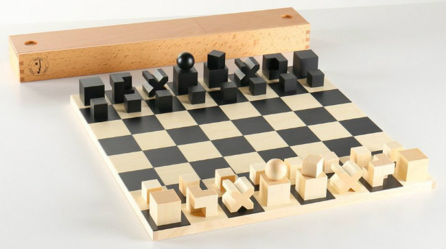 Bauhaus Chess Set   Board, Pieces U0026 Box