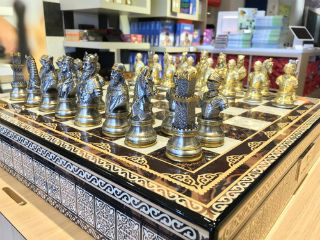 Chess World - Dal Rossi Chess Sets