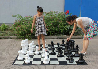 Chess World Giant Chess Sets
