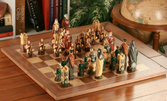 The Crusades Chess Set with Presentation Box - SAC Hand Decorated