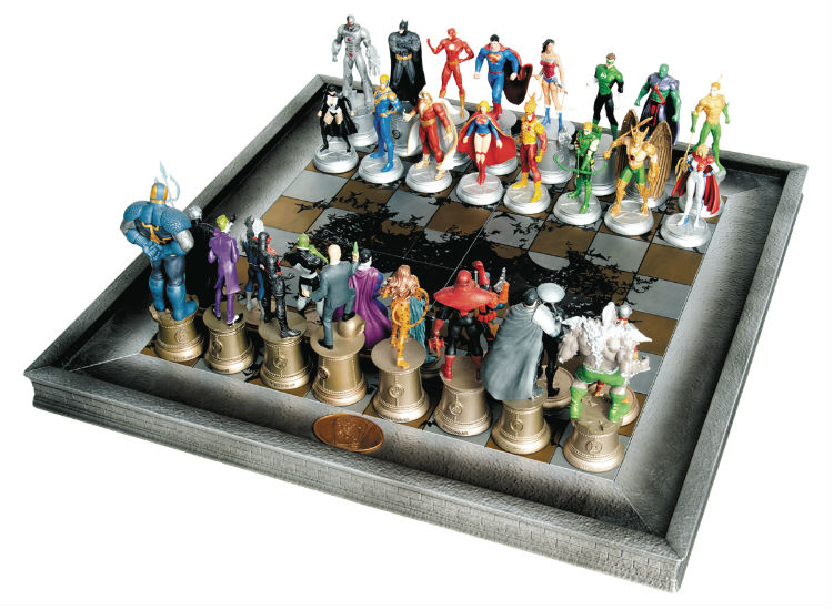 32 Piece Justice League Chess Set