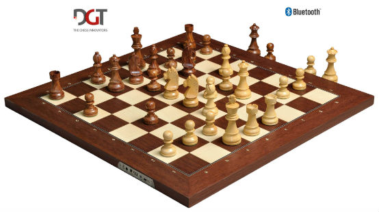 The DGT Electronic Chessboard USB & Bluetooth