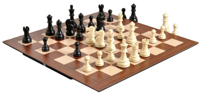 DGT Smart Board with DGT Electronic Chess Pieces