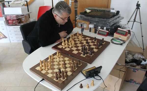 Electronic Chess Boards Review