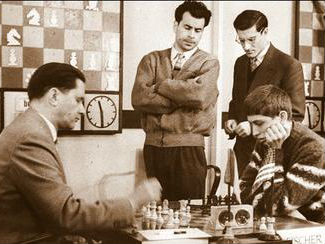 Paul Keres vs Bobby Fisher, 1959 Candidate Tournament in Bled