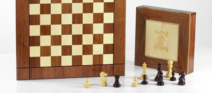 JLP Chess Board With Chess Pieces & Box