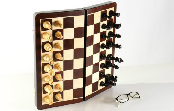 "Large 15 3/4"" Folding Magnetic Rosewood/Maple Chess Set in Leatherette Case"