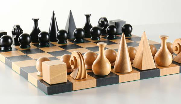 Man Ray Chess Set   Board And Pieces